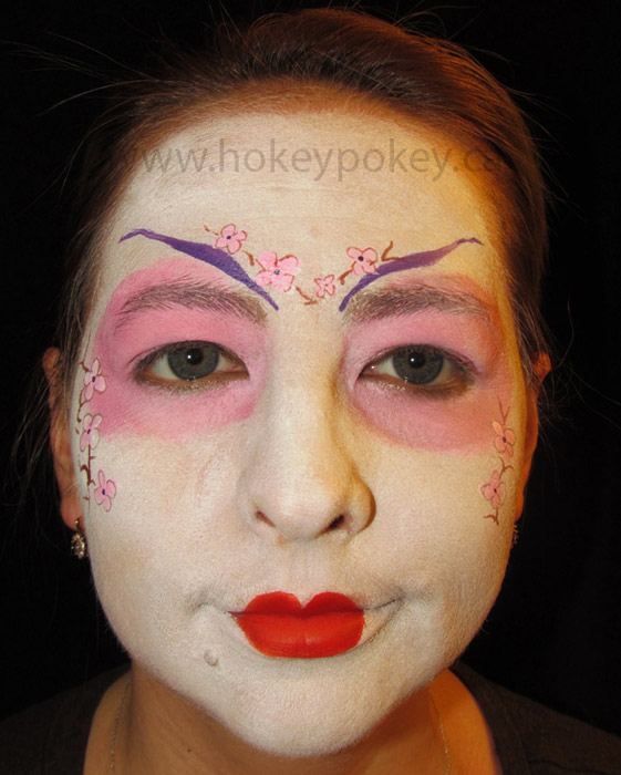Sample face paint - Geisha